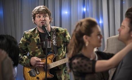 Meatball Serenades - Hart of Dixie Season 4 Episode 8