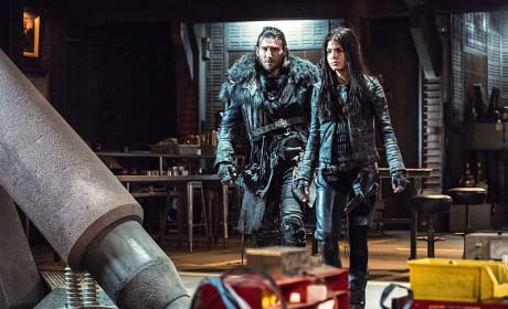 Working Together - The 100 Season 3 Episode 15