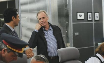 """Keith Carradine Previews """"Dark Places"""" Ahead on Missing"""