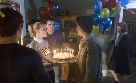 """Riverdale Photos from """"Chapter Ten: The Lost Weekend"""""""