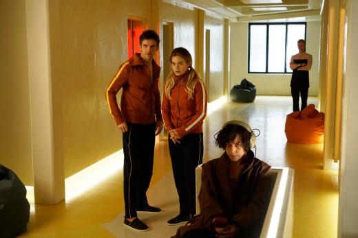 David, Syd, and Lenny at Clockworks - Legion Season 1 Episode 1