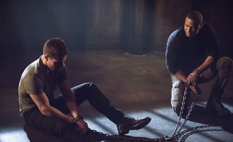 Yanking Oliver's Chain - Arrow Season 3 Episode 15