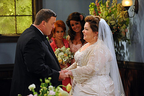 Mike & Molly's Wedding