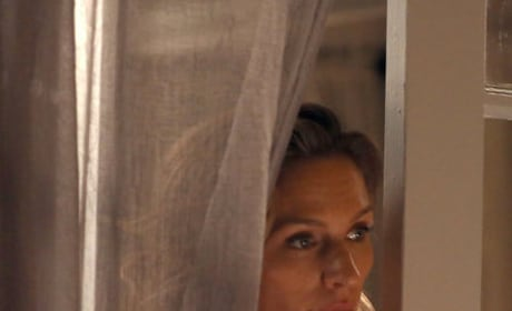 Peeking Through - The Village Season 1 Episode 6