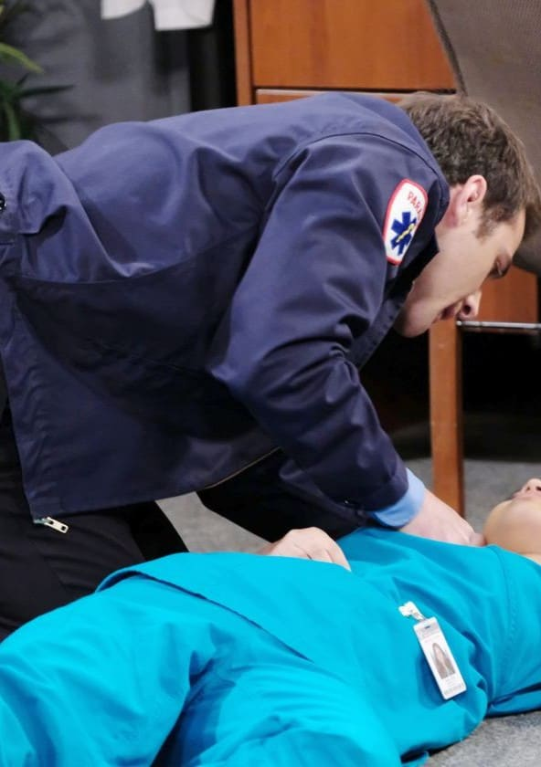 JJ Saves a Life - Days of Our Lives