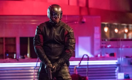 Diggle Is Not Impressed - Arrow Season 6 Episode 15
