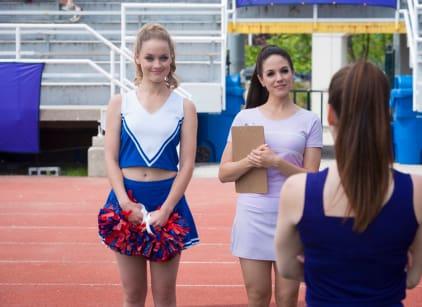 Watch Lost Girl Season 5 Episode 6 Online