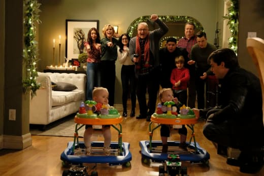 Baby Races - Modern Family