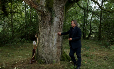 A Bow and Arrow - Once Upon a Time Season 5 Episode 5