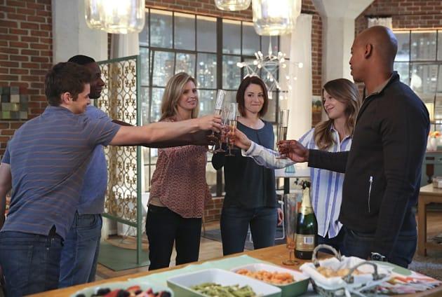 Time to Celebrate! - Supergirl Season 1 Episode 20