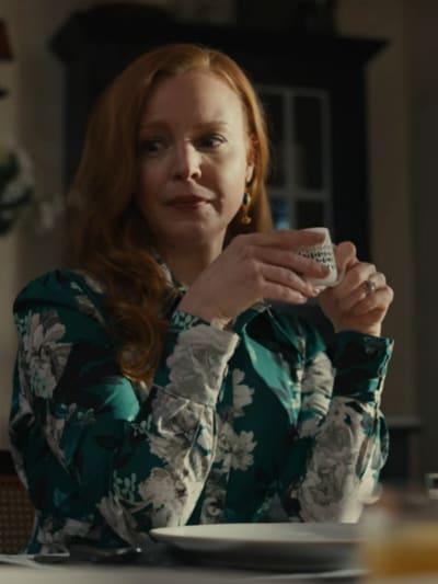 Doroty Looks at the Cut - Servant Season 2 Episode 5