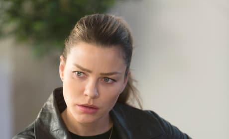 A Very Hot Chloe - Lucifer Season 2 Episode 15