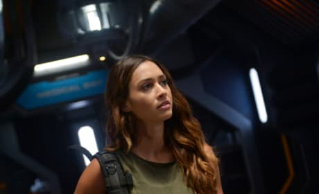 Raven Reyes in Space - The 100 Season 6 Episode 1
