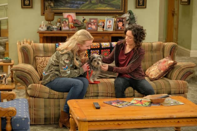 Adopting A Dog - Roseanne Season 10 Episode 4