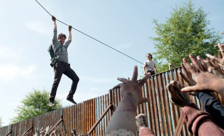 Spencer climbs out - The Walking Dead
