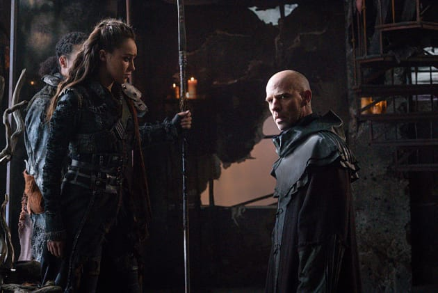 Advising the Commander - The 100 Season 3 Episode 7
