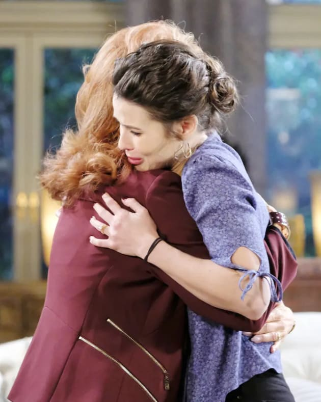 Sarah is There For Her Mother - Days of Our Lives