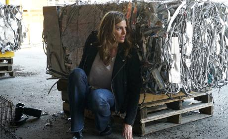 Beckett Looks Scared - Castle Season 8 Episode 22