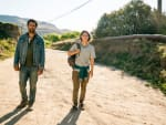 Trying to Connect - Fear the Walking Dead