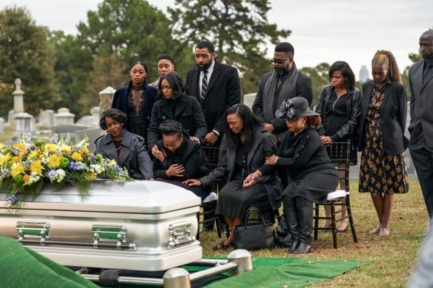 A Mother's Grief - Black Lightning Season 2 Episode 12