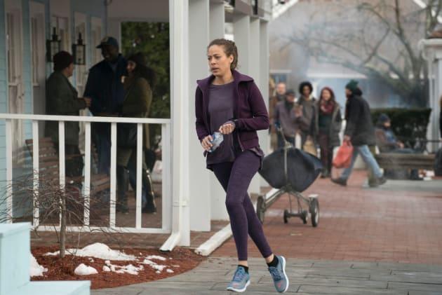 Jogging Around Town - The Blacklist: Redemption Season 1 Episode 3