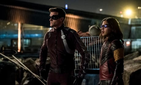 Vibe and The Elongated Man Brace For the Showdown Season 5 Episode 2