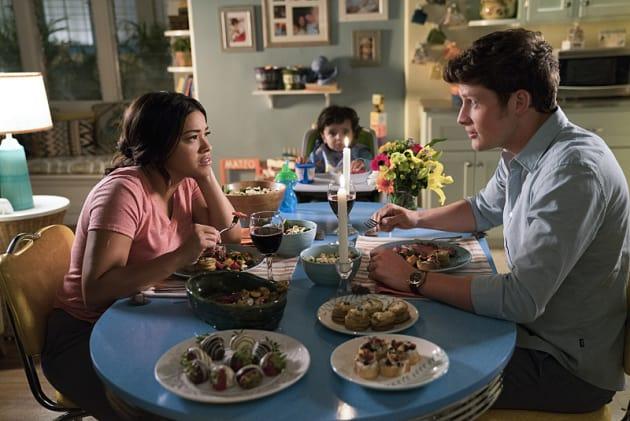 Family Dinner - Jane the Virgin Season 3 Episode 6