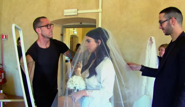 Kim and Her Veil - Keeping Up with the Kardashians Season 9 Episode 20