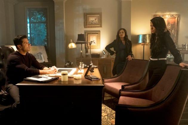 Power Struggle - Riverdale Season 2 Episode 13