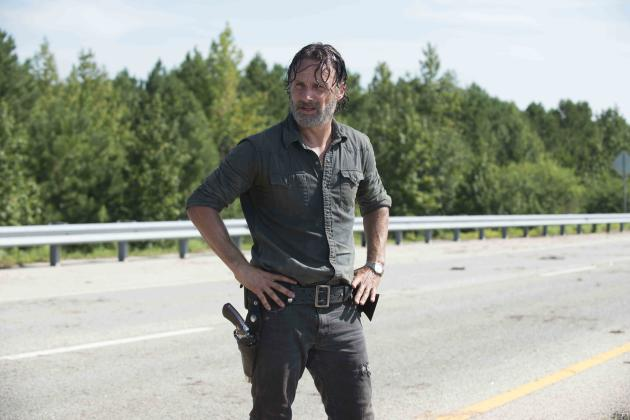 Rick in the Street - The Walking Dead