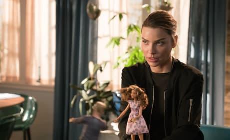 Chloe Is Not Amused - Lucifer Season 3 Episode 8