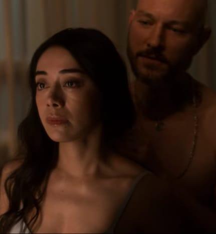 Ella et Dirty Doug - Lucifer Saison 5 Episode 1