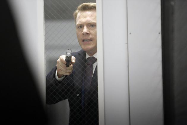 Ressler wants to open the door - The Blacklist Season 4 Episode 16