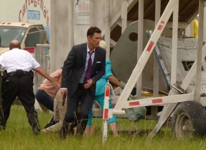 Watch Burn Notice Season 5 Episode 10 Online