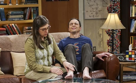 Sheldon is in Some Serious Pain - The Big Bang Theory Season 10 Episode 9