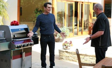 A Shiny New Grill - Modern Family Season 6 Episode 19