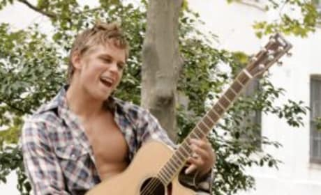 Billy Magnussen, Guitar Player