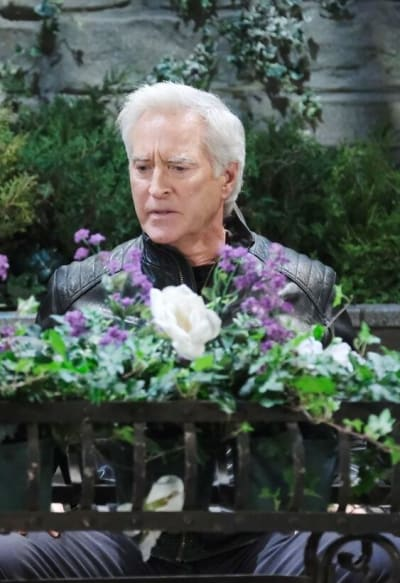 Marlena Grills John/Tall - Days of Our Lives