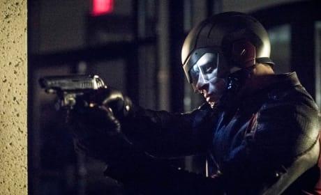 Spartan Gets A Costume Upgrade - Arrow Season 6 Episode 11