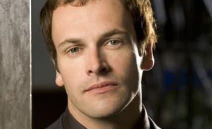 Jonny Lee Miller to Recur on Dexter