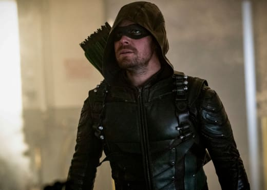 Oliver Queen During a Mission - Arrow Season 6 Episode 23