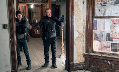 Don't Shoot  - Chicago PD Season 5 Episode 13