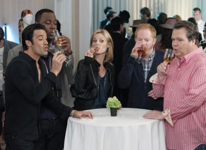 Watch Modern Family Season 3 Episode 6 Online
