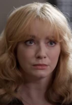 Beth On The Defense - Good Girls Season 4 Episode 7