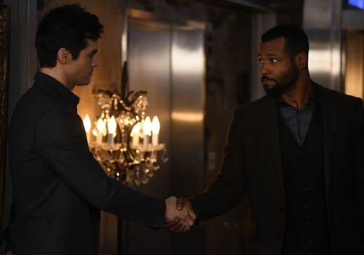 Welcoming A Wolf - Shadowhunters Season 2 Episode 14