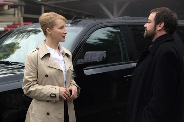 Crowley takes a meeting - Supernatural Season 12 Episode 8