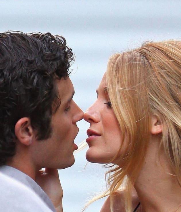 Gossip Girl Spoilers: Hot Derena Kiss Alert! - TV Fanatic