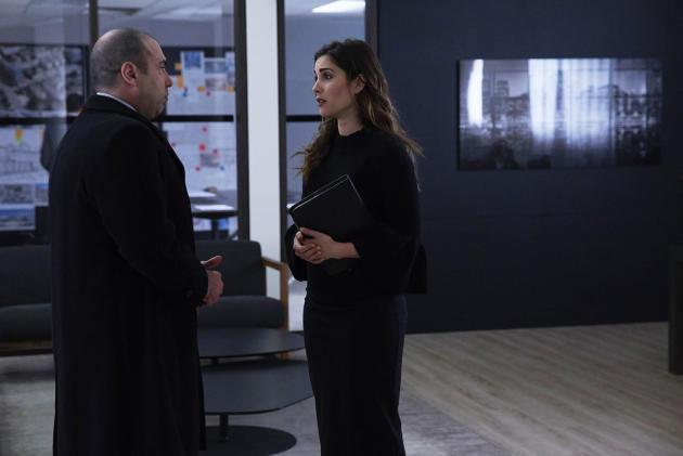 Cast of suits season 2 episode 12 - Class a vs travel trailer