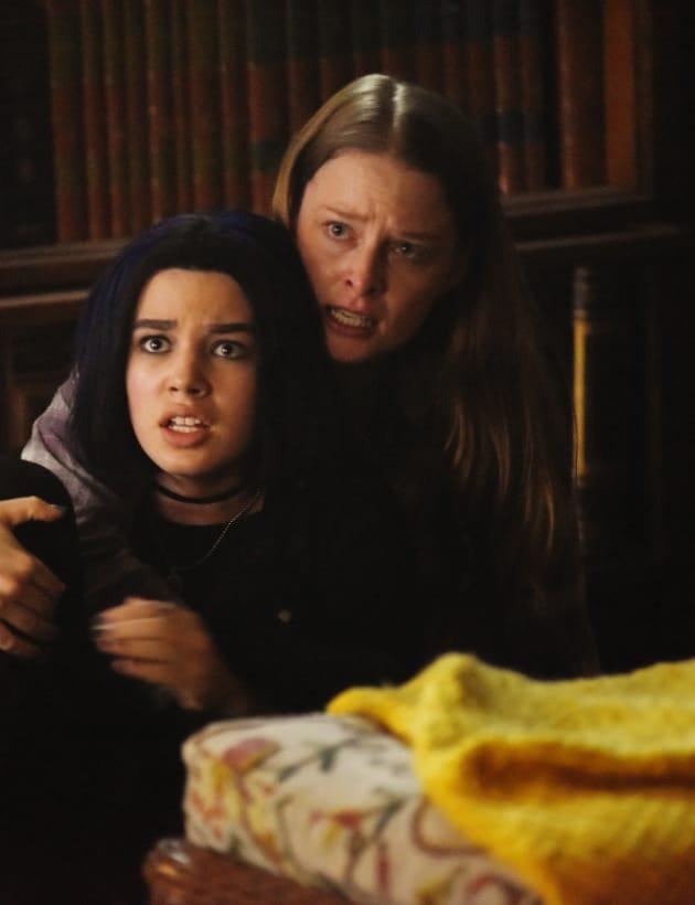 A Mother-Daughter Bond? - Titans Season 1 Episode 10