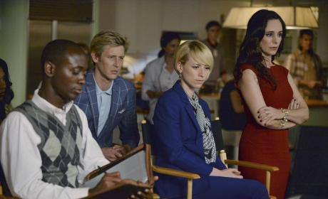 Everyone Is Watching - Revenge Season 4 Episode 6